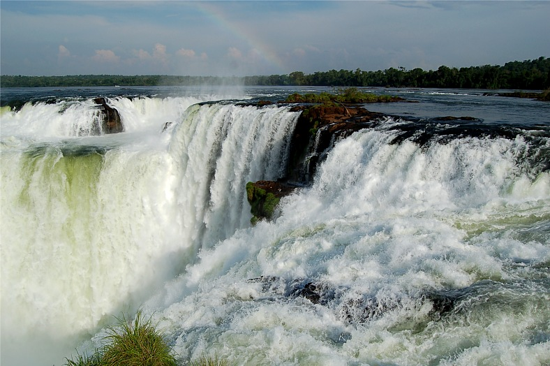Falls in Iguazu - vacation travel photos