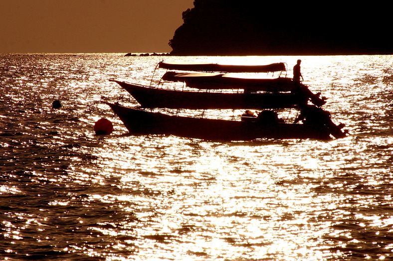 Fishing tour, Indochina - vacation travel photos