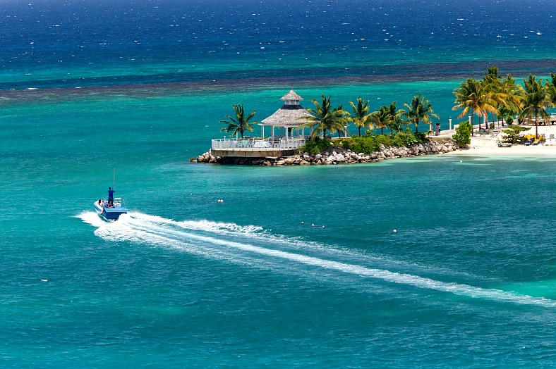 Jamaica vacations. Boating in Ocho Rios. Jamaica tours.