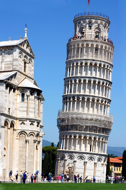 Travel to Italy - Pisa tower photo. Italy tours - vacation travel photos
