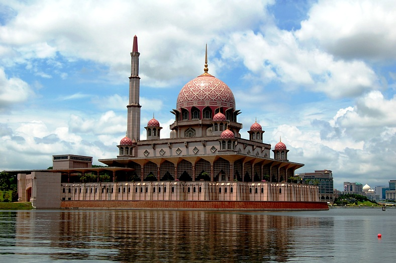 Malaysia tours. The floating mosque in Putrajaya Malaysia. The design of the mosque is inspired from Iran. Malaysia tourism.