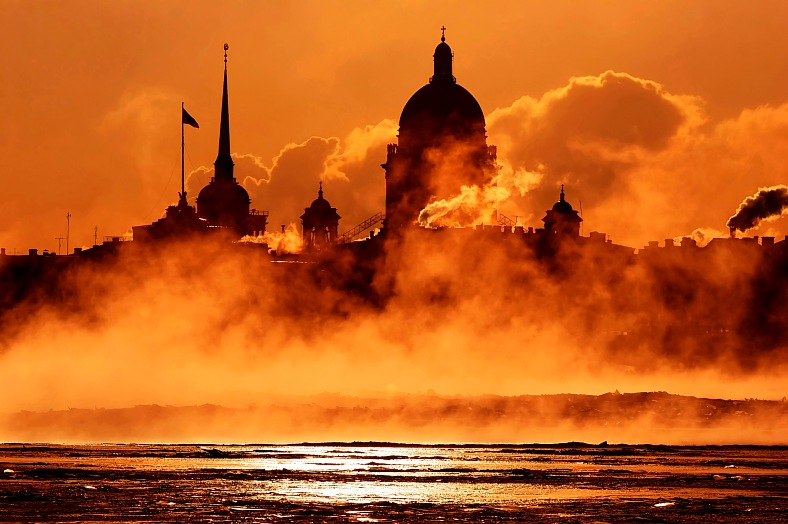 Russia vacations. St. Petersburg quay, Russia. St.Petersburg tours