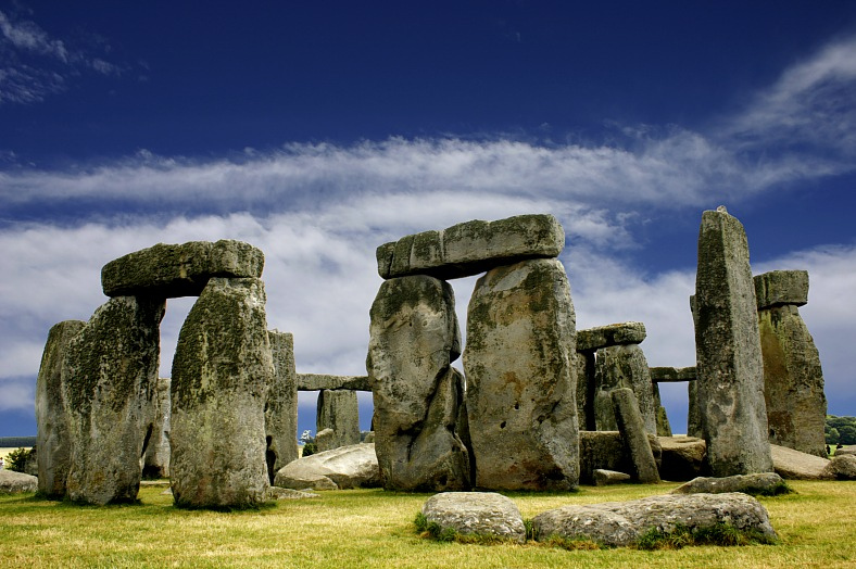 England travel. A view of the ancient stone circle Stonehenge. England tours.