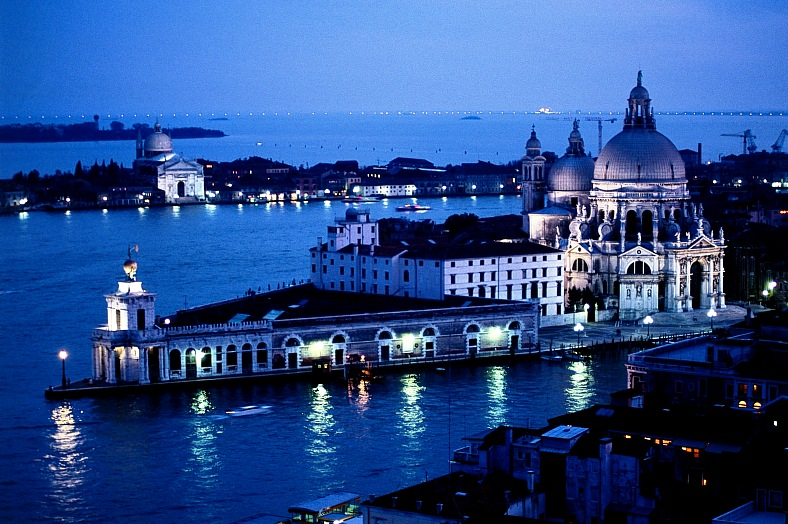 Travel to Italy - Venice landscape at dusk. Venice tours. Italy vacations.